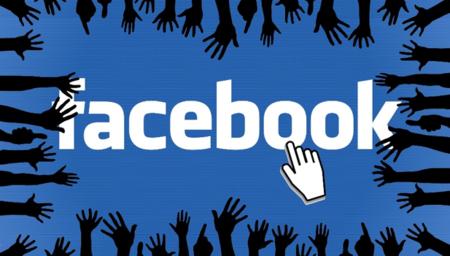 Facebook-Logo auf welches eine Maus klickt