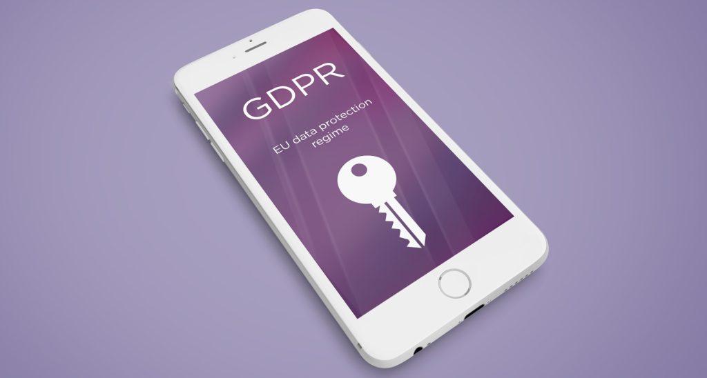 """Smartphone auf dem """"GDPR"""" steht"""