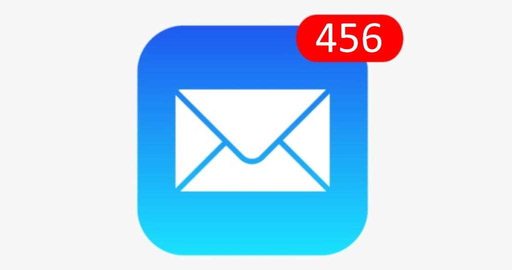 Email-App-Symbol auf einem Smartphone mit 456 Benachrichtigungen